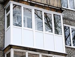 Французский балкон с сендвич-панелями